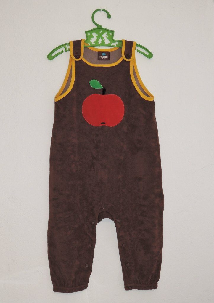 jumpsuit with apple